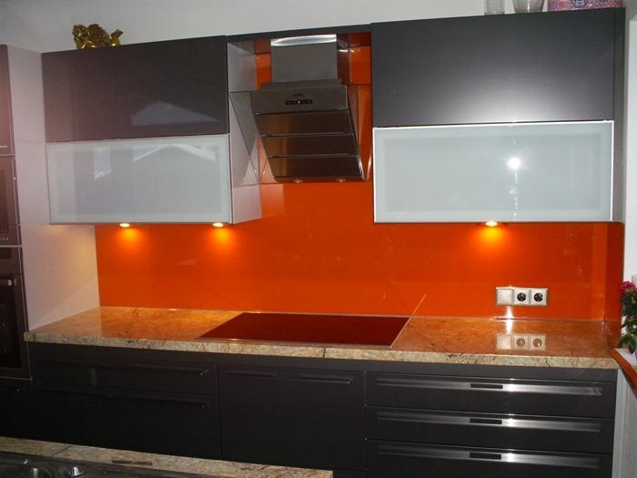 Küchenverglasung101.JPG